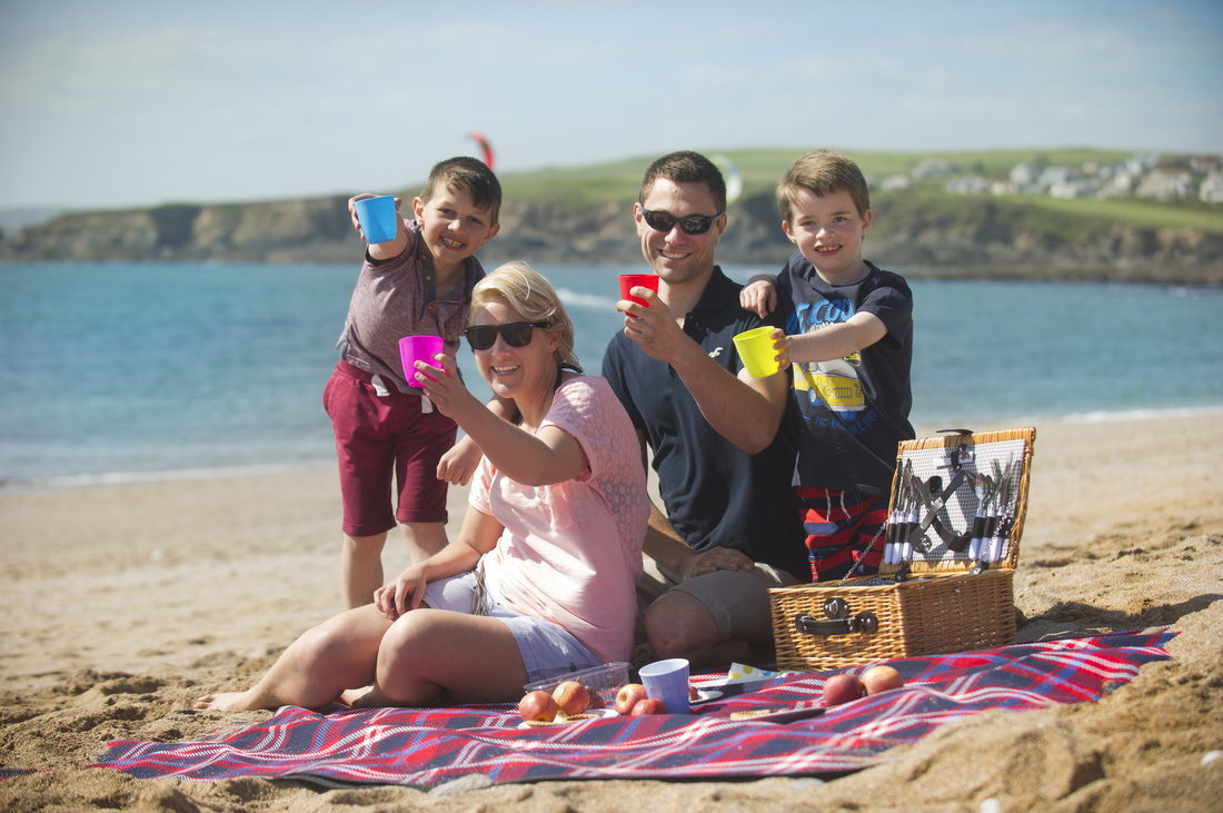 Picnic with your friends - National Picnic Week